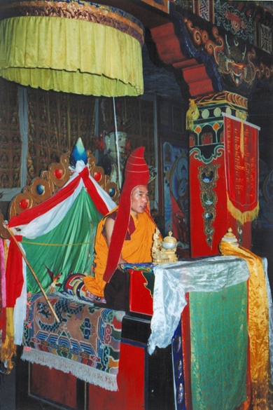 Rinpoche wearing the Pandita hat at a ceremony in Mardo Tashi Choling Monastery